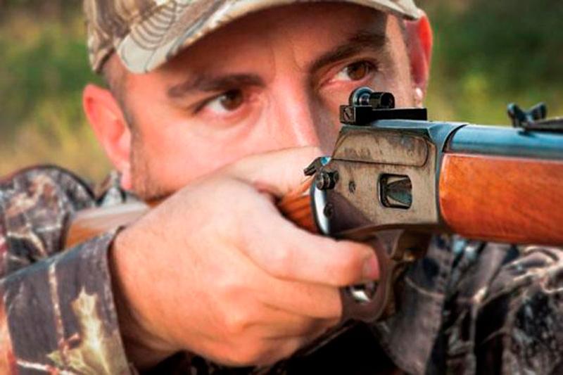 cómo disparar con los dos ojos abiertos