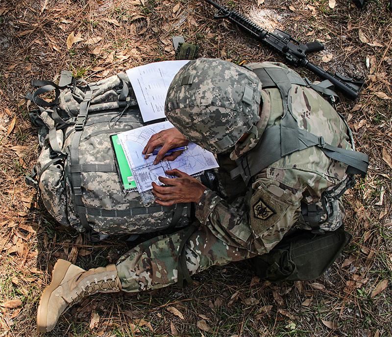Militar en el campo