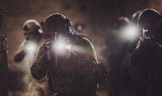 Linternas tácticas - militares y policiales | Zona Táctica
